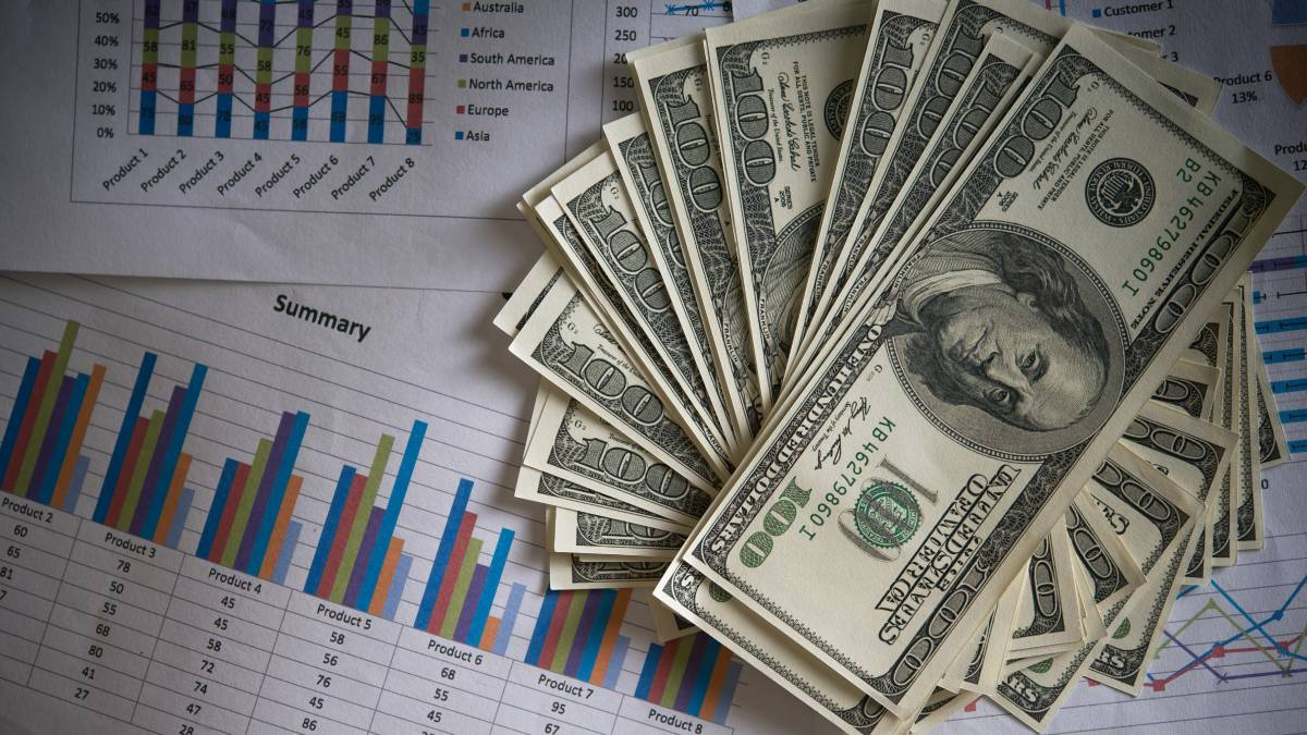 Precio del dólar sube tras rendimiento de bonos en EE. UU.