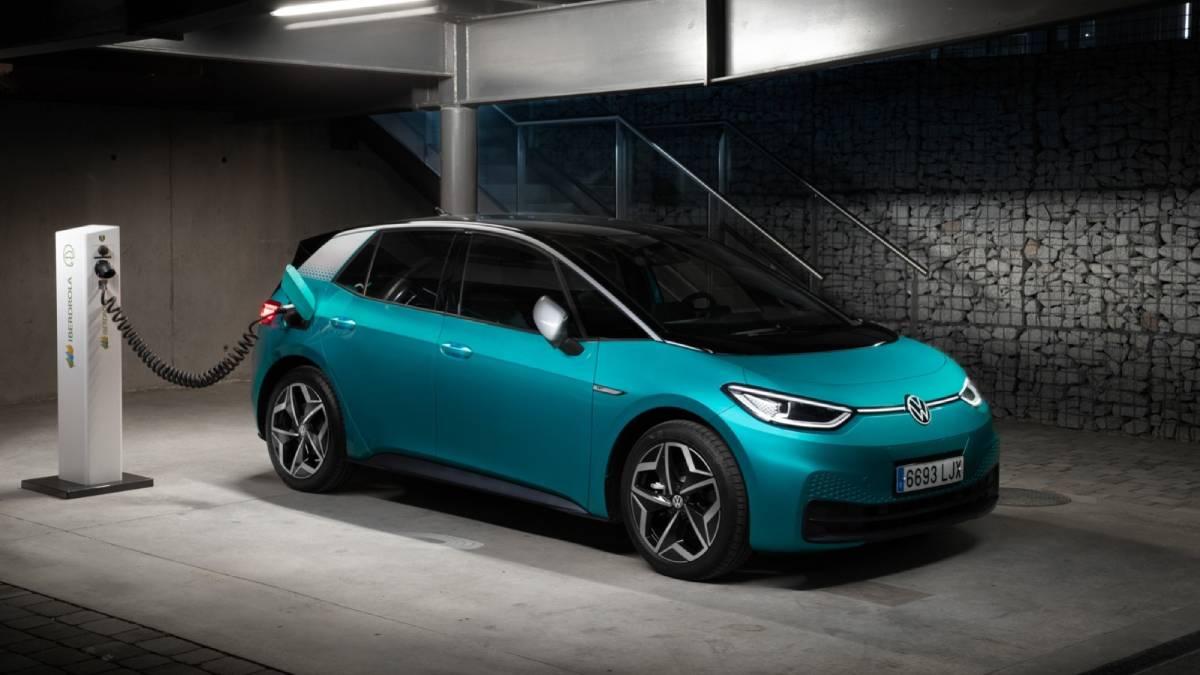 Volkswagen, más cerca de competir con Tesla, tras alianza con Iberdrola