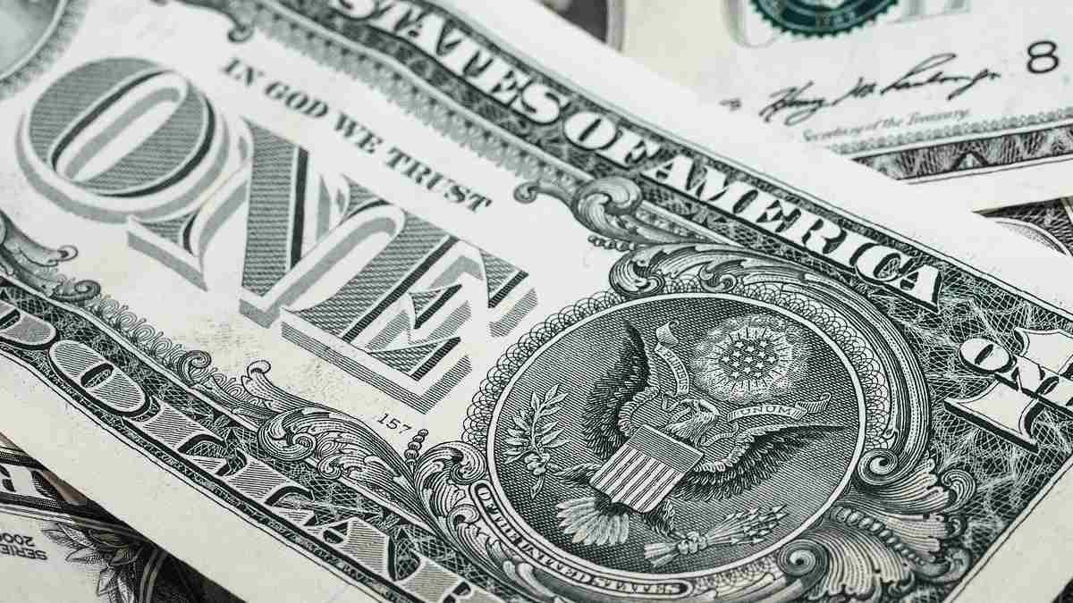 Precio del dólar cae luego de decisión de la Fed sobre no cambiar las tasas de interés