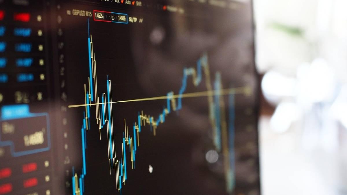 Índices bursátiles se tambalean: Dow Jones y S&P 500 suben luego de su caída en la jornada del martes