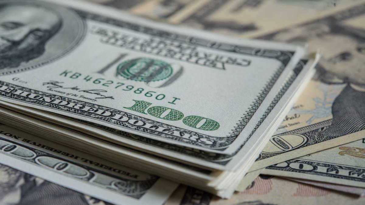 Precio del dólar a la baja por dos semanas consecutivas