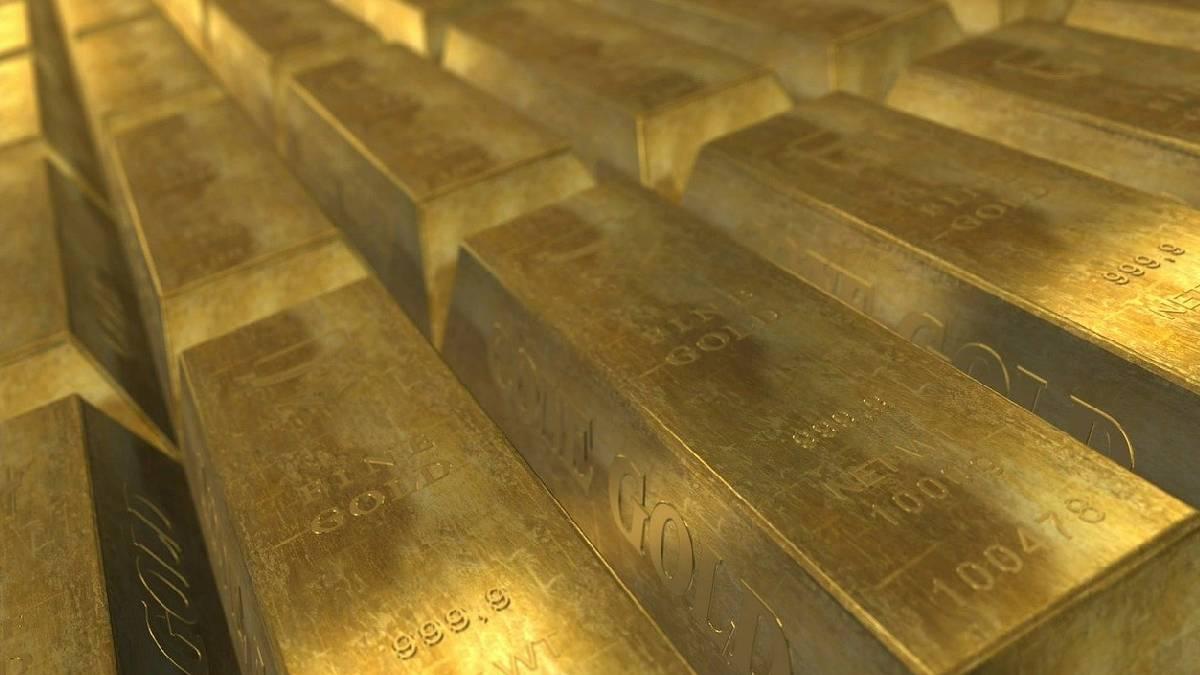 Precio del oro hoy: cae desde sus máximos en 2 semanas