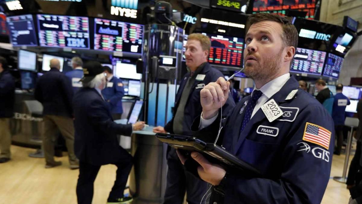 Bolsas mundiales en picada tras caída de acciones tecnológicas