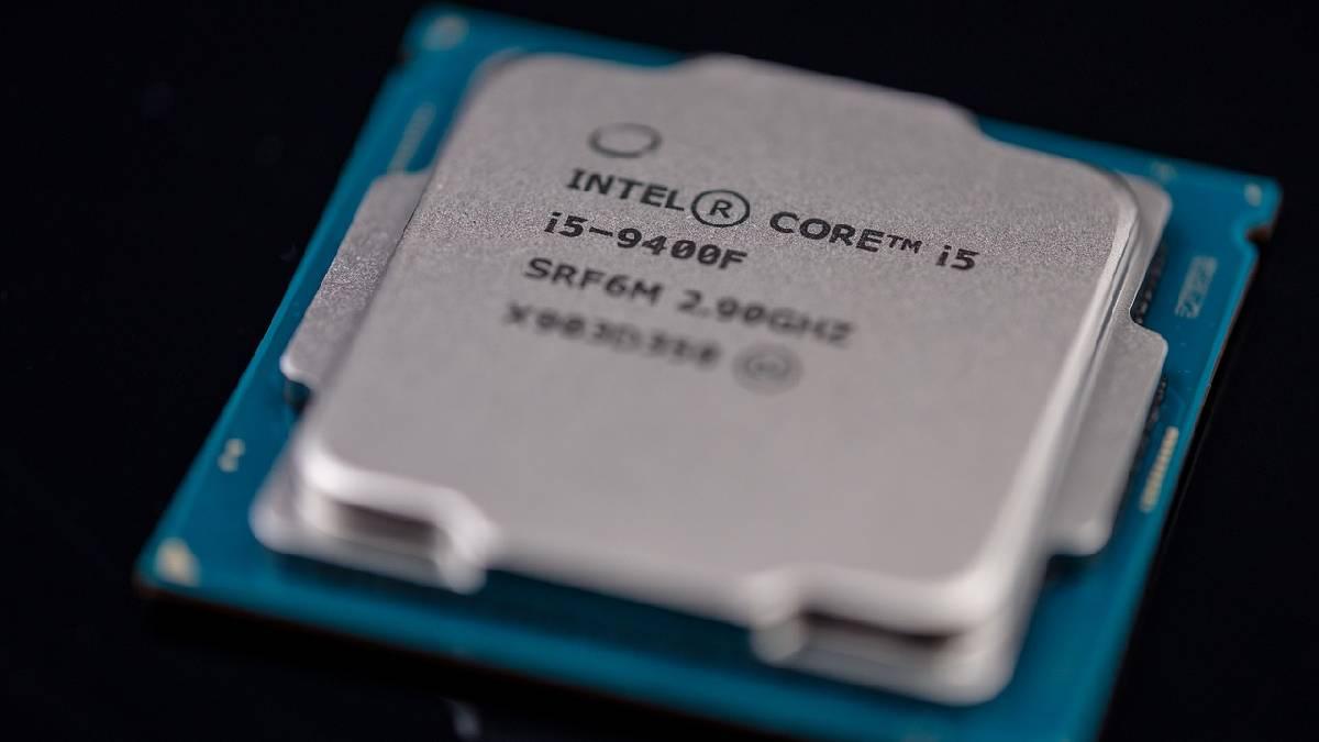 Intel advierte que escasez de chips podría durar varios años más