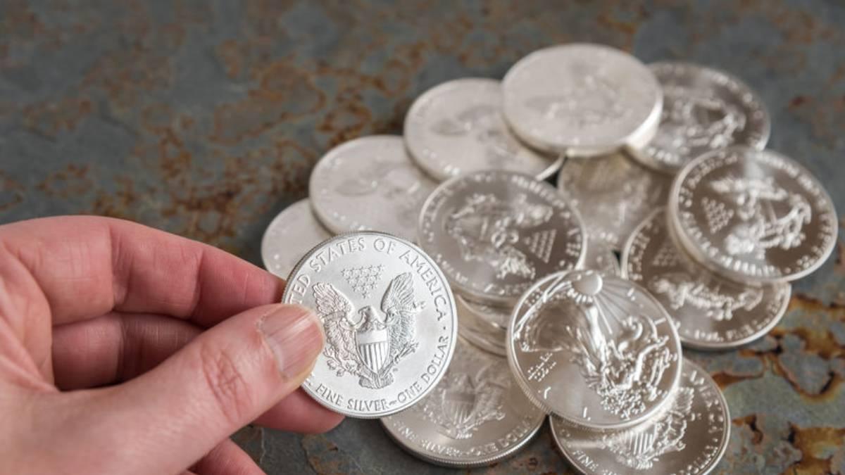 Precio de la plata se dispara y continua tendencia alcista