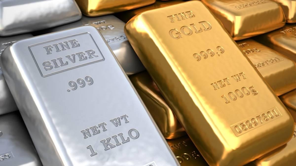 Precio del oro cae tras avance en el rendimiento del dólar