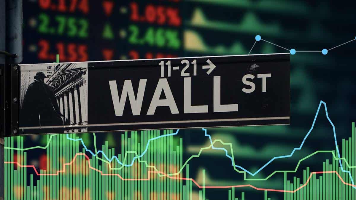 Wall Street a la baja por datos Fed y caída de criptomonedas