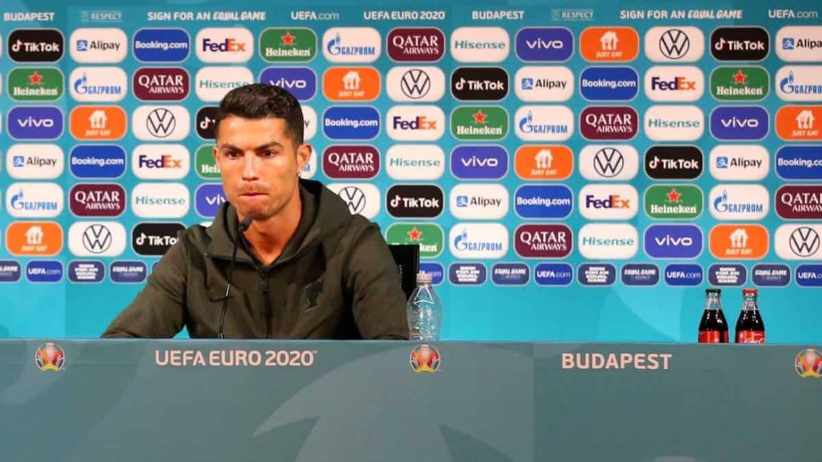 Ronaldo causa pérdidas a CocaCola tras conferencia de prensa