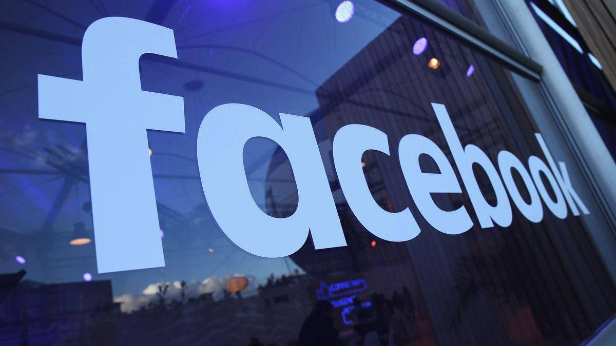 Precio de las acciones de Facebook está cerca de un desplome