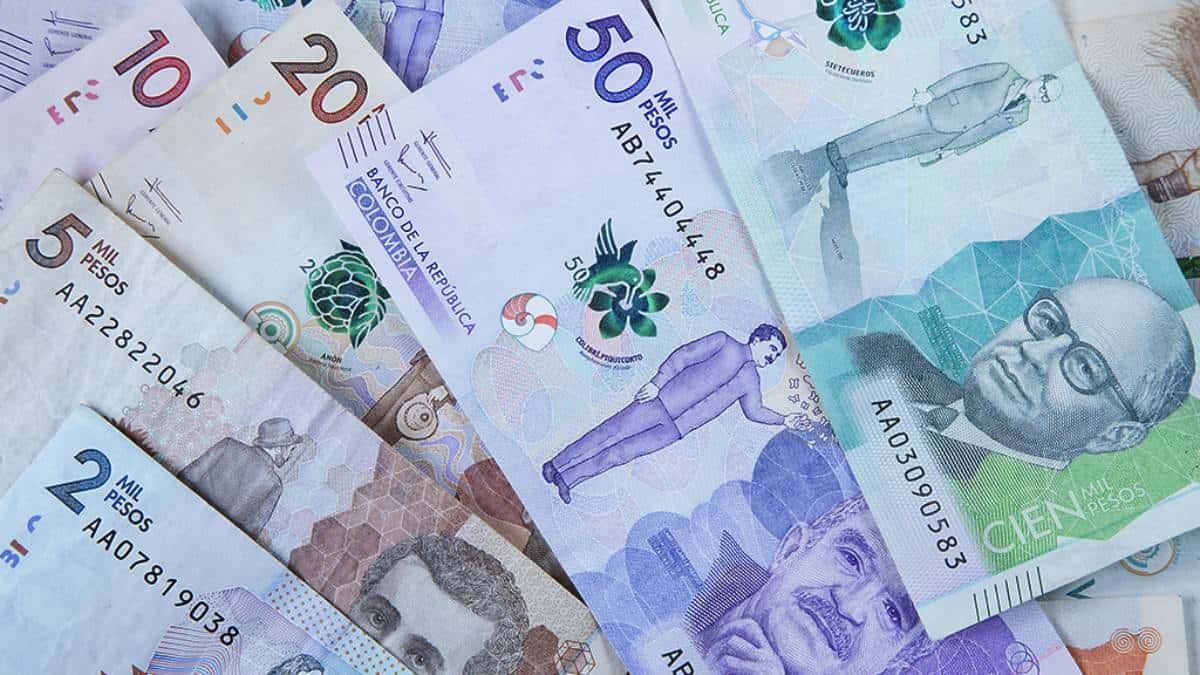 Peso colombiano al alza antes de las tasas del Banco Central