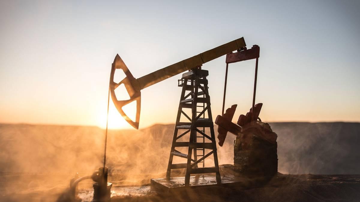 Precio del petróleo WTI cierra al alza por reservas de crudo