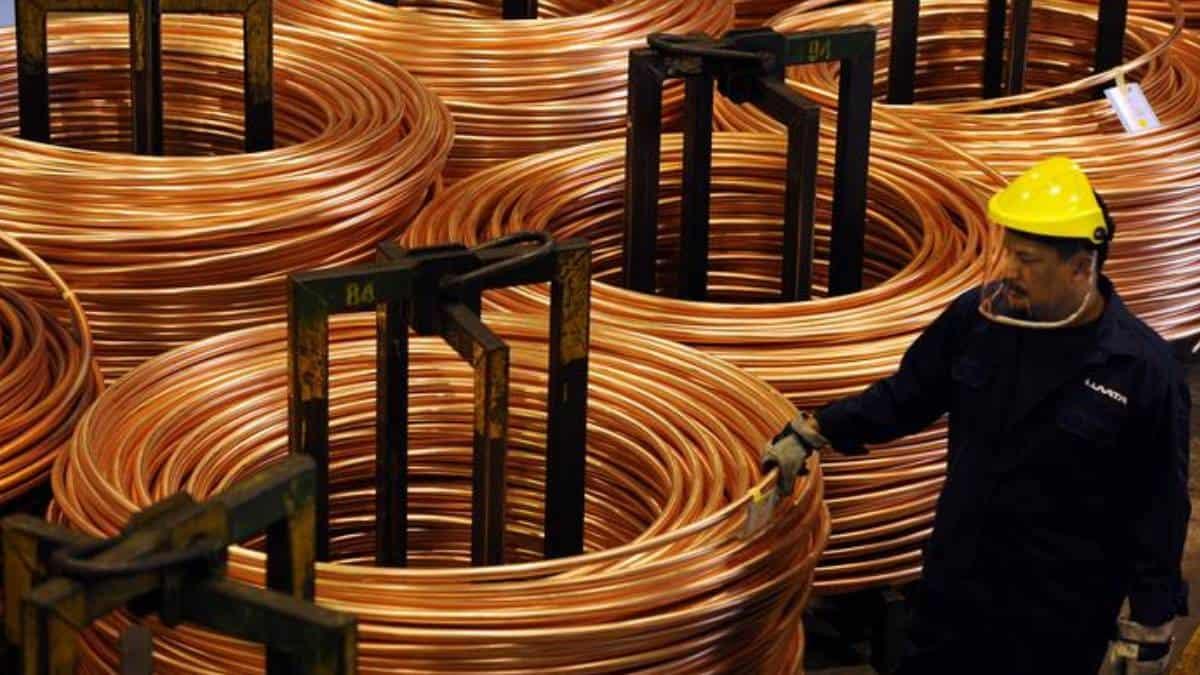 Precio del cobre al alza por compras de oportunidad