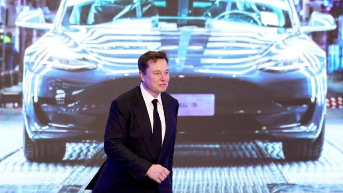 Elon Musk anuncia lanzamiento del nuevo FSD v9 beta
