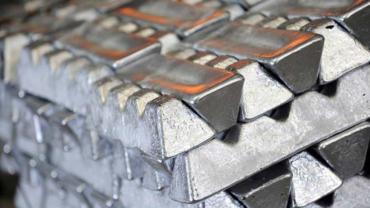 Crisis energética en China ocasiona caída de metales básicos