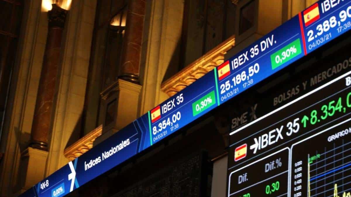 Ibex 35 registra mayor alza desde julio tras acuerdo en EE.UU